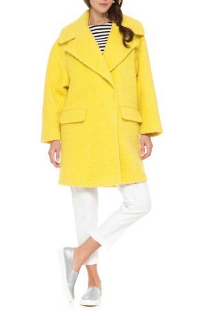 Пальто Odri. Цвет: желтый