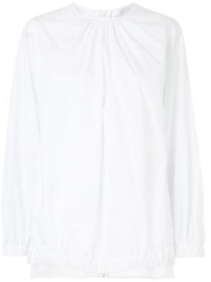 Рубашка со сборками у горловины Bassike. Цвет: белый