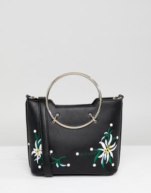 Park Lane Embroidered Floral Across Body Bag With Hardware Handle. Цвет: черный