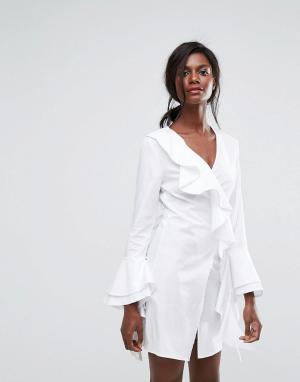 C/meo Collective Платье с запахом и оборками Still Standing. Цвет: белый