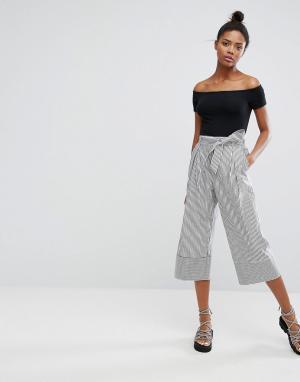 Monki Широкие брюки в тонкую полоску. Цвет: черный
