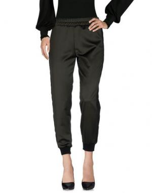 Повседневные брюки TOY G.. Цвет: темно-зеленый