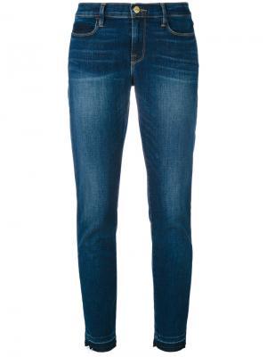 Укороченные джинсы с эффектом потертости Frame Denim. Цвет: синий
