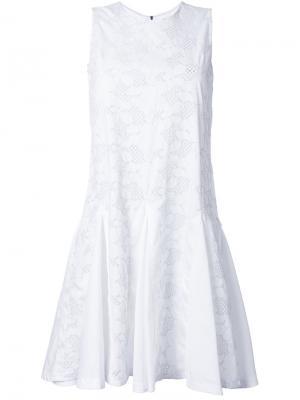 Расклешенное платье с вышивкой Mikio Sakabe. Цвет: белый