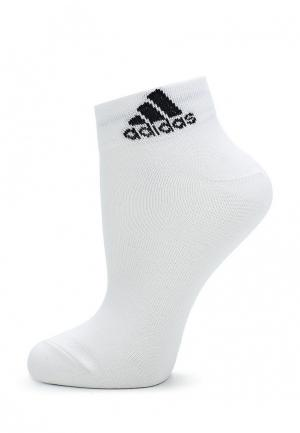 Носки adidas. Цвет: белый