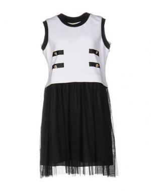 Короткое платье EDWARD ACHOUR. Цвет: белый