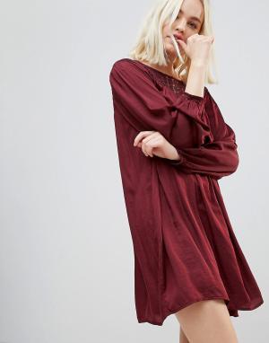 Hazel Свободное платье с длинными рукавами и кружевной кокеткой. Цвет: красный