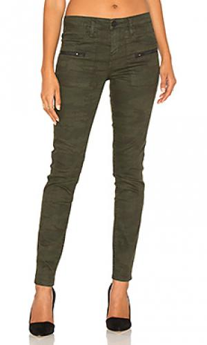 Рабочие джинсы ace Sanctuary. Цвет: военный стиль