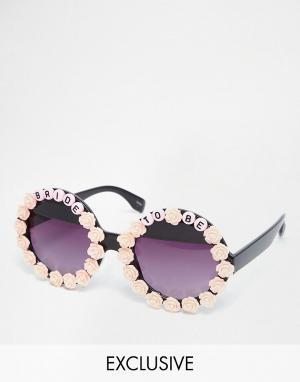RAD + REFINED Солнцезащитные очки Bride to Be. Цвет: мульти