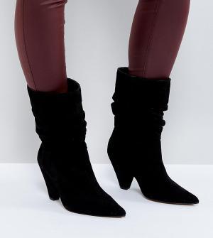 ASOS Замшевые ботинки для широкой стопы с конусообразным каблуком CIAN. Цвет: черный