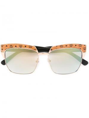 Солнцезащитные очки с квадратной оправой MCM. Цвет: телесный