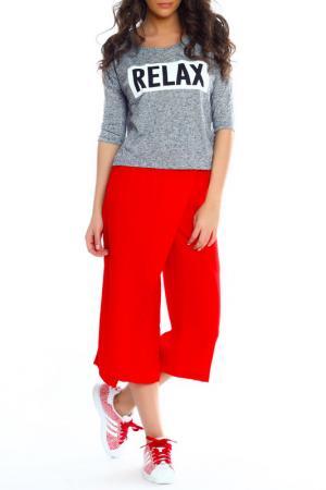 Три четверти брюки Moda di Chiara. Цвет: красный