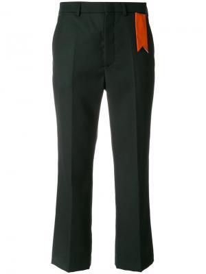 Укороченные брюки с контрастной биркой The Gigi. Цвет: зелёный