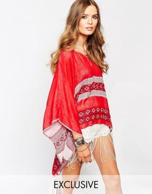 Spiritual Hippie Пончо с V-образный вырезом и бахромой Spritual. Цвет: красный