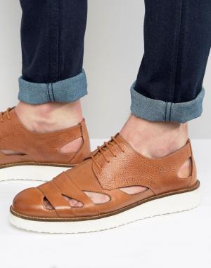 London Brogues Светло-коричневые сандалии на шнуровке. Цвет: рыжий