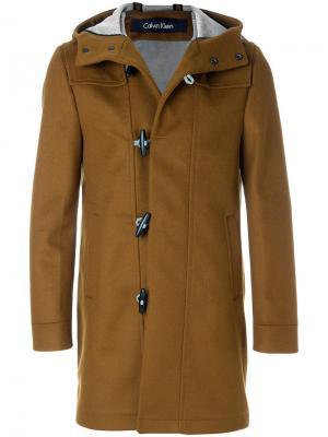 Дафлкот с капюшоном Calvin Klein. Цвет: коричневый