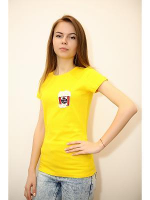 Футболка KONONO. Цвет: желтый