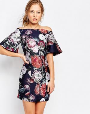 Keepsake Платье с открытыми плечами и принтом. Цвет: мульти
