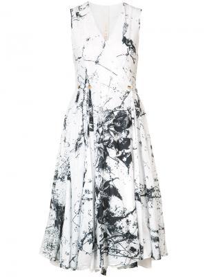 Плиссированное платье с запахом  Forme Dexpression D'expression. Цвет: белый