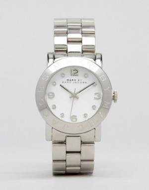 Marc Jacobs Серебристые часы Amy MBM3054. Цвет: серебряный