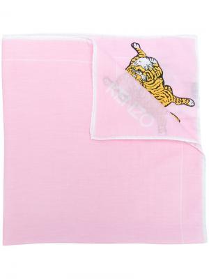 Шарф с рисунком тигра логотипом Kenzo. Цвет: розовый и фиолетовый