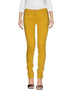 Джинсовые брюки PATRIZIA PEPE. Цвет: охра