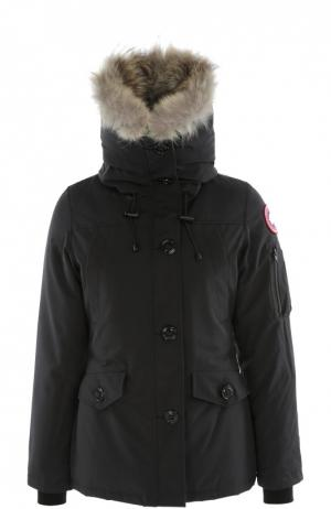 Утепленная куртка с капюшоном и меховой отделкой Canada Goose. Цвет: темно-синий