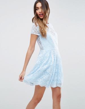 ASOS Кружевное короткое приталенное платье-футболка мини. Цвет: синий