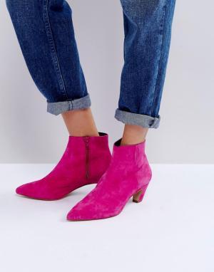 ASOS Замшевые полусапожки на каблуке REANNE. Цвет: розовый