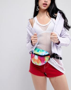 Spiral Фестивальная сумка-кошелек на пояс с принтом тай-дай. Цвет: мульти