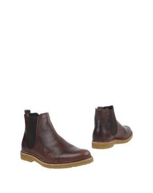 Полусапоги и высокие ботинки ROYAL REPUBLIQ. Цвет: какао