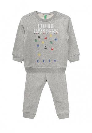 Комплект брюки и свитшот United Colors of Benetton. Цвет: серый