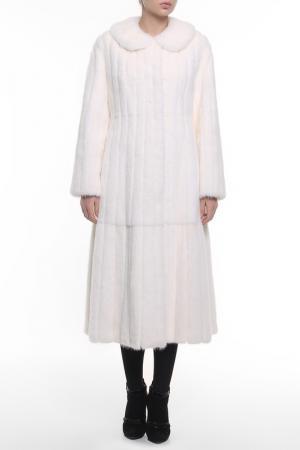 Пальто Regalia. Цвет: белый
