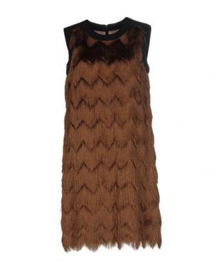 Короткое платье INTROPIA. Цвет: верблюжий