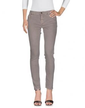 Джинсовые брюки SOALLURE. Цвет: голубиный серый