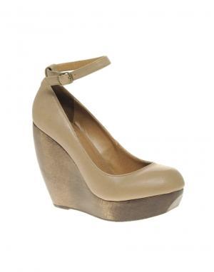 Shellys London Caramel Wooden Wedge With Ankle Strap. Цвет: черный