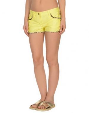 Пляжные брюки и шорты ROBERTO CAVALLI BEACHWEAR. Цвет: желтый