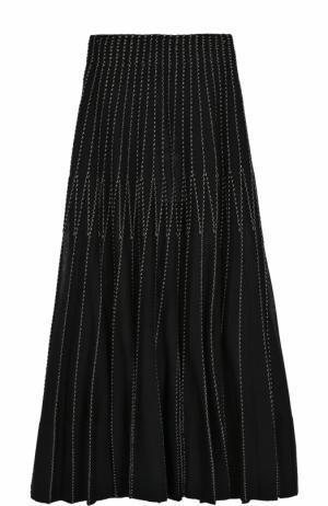Шелковая плиссированная юбка-миди Alexander McQueen. Цвет: черный