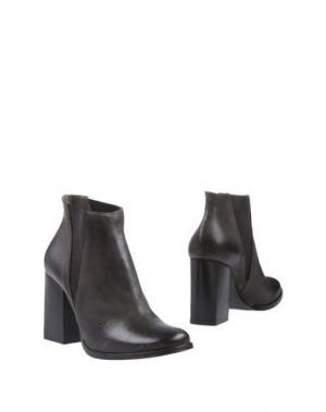 Полусапоги и высокие ботинки SALVADOR RIBES. Цвет: темно-коричневый