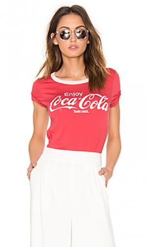 Футболка coca cola Junk Food. Цвет: красный