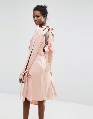 Keepsake Платье с бантом на спине. Цвет: розовый