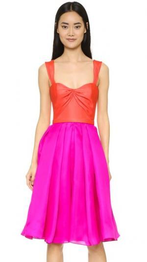 Платье с широкой юбкой из шелкового газара Reem Acra. Цвет: оранжевый/фуксия