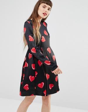 Love Moschino Платье с длинными рукавами и принтом сердец. Цвет: черный