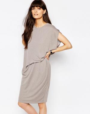 Paisie Трикотажное платье с асимметричной сборкой на талии сбоку. Цвет: серый