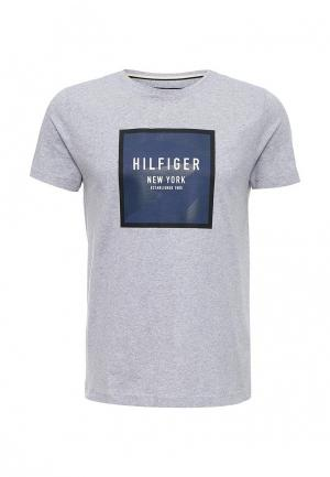 Футболка Tommy Hilfiger. Цвет: серый