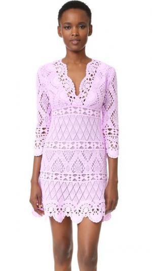 Связанное крючком платье Temptation Positano. Цвет: лилия