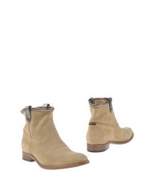 Полусапоги и высокие ботинки ESSEutESSE. Цвет: песочный