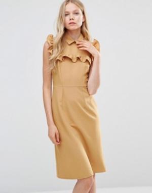 Alter Платье-футляр с оборкой на кокетке. Цвет: желтый