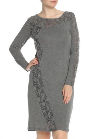 Трикотажное платье с вставками из гипюра Apanage. Цвет: серый