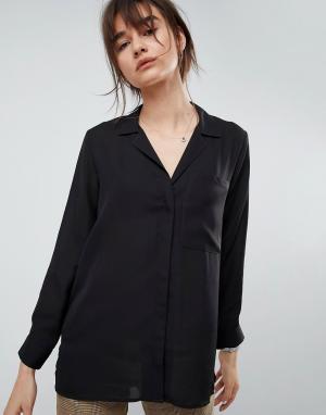 ASOS Блузка с открытым воротом и большим карманом. Цвет: черный